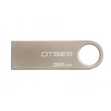 32GB USB2.0  Kingston DataTraveler SE9 Silver, Metal casing, Compact and lightweight, (Read 18 MByte/s, Write 10 MByte/s)