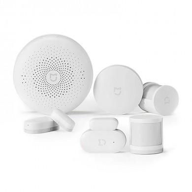 "XIAOMI ""Mi Smart Sensor Set"" EU, White, Package Contents: Mi Sensor for windows + doors, 2 x Mi Motion Sensor, Mi Control Hub, Mi Wireless Switch"
